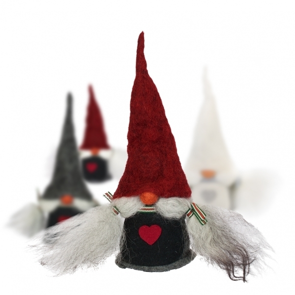 Tomte Viktoria mit roter Mütze